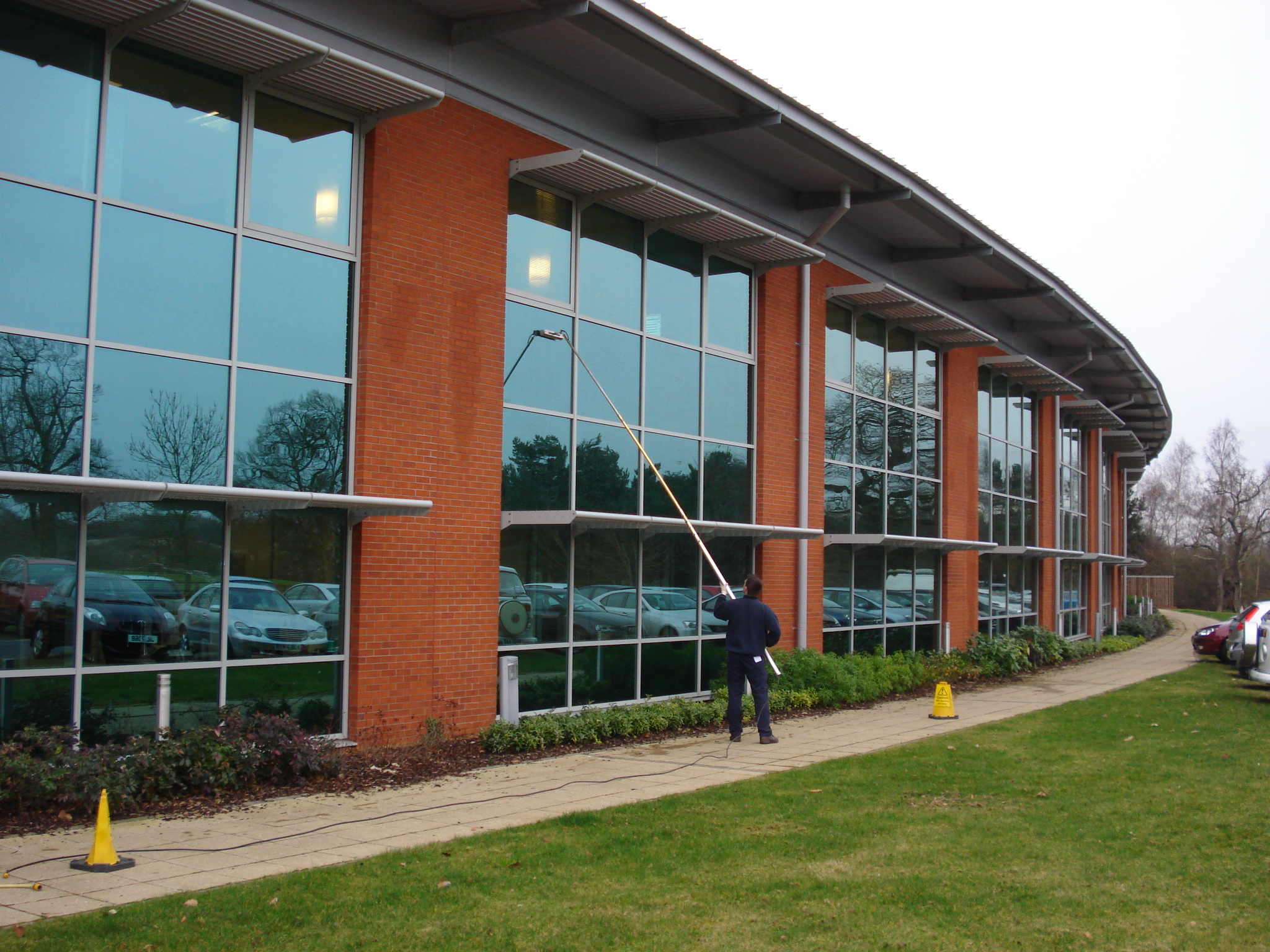 Window Cleaners In Leeds >> Window Cleaning Wakefield | Domestic Cleaner